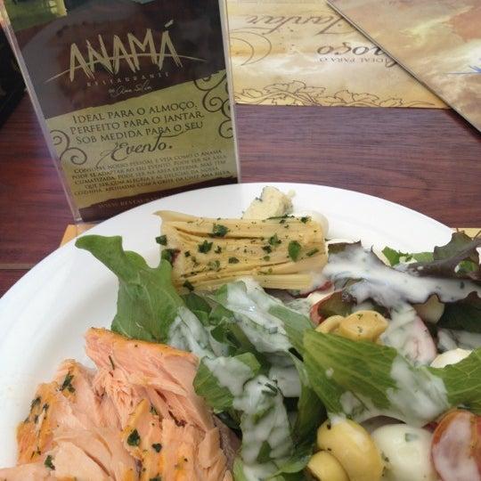 Foto tirada no(a) Anamá Restaurante por Maíra M. em 10/29/2012
