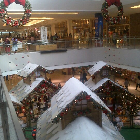 Photo taken at Shopping Recife by Everson C. on 12/12/2012