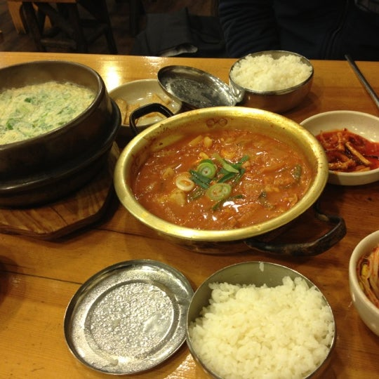 10/17/2012에 yoo k.님이 김북순 큰남비집에서 찍은 사진