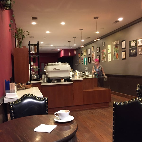 Photo taken at Stanza Coffee Bar by Andre U. on 2/10/2015