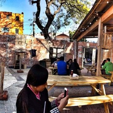 Foto tomada en Pinche Gringo BBQ Patio por Daniel P. el 1/12/2014