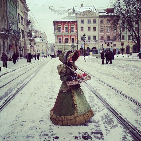 Снимок сделан в Площадь Рынок пользователем Eduard L. 1/19/2013