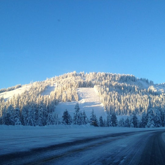 Photo taken at Cypress Mountain Ski Area by Jen H. on 12/14/2012