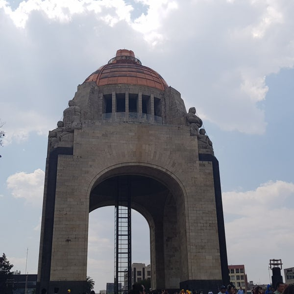 Das Foto wurde bei Mirador Monumento a la Revolución Mexicana von Mayte I V. am 4/7/2018 aufgenommen