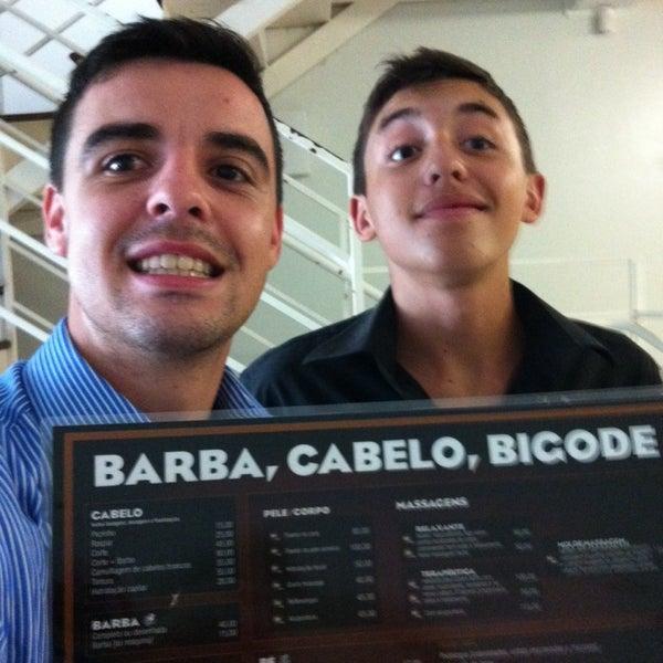 Foto tirada no(a) Barbearia Clube por Julio K. em 2/8/2014