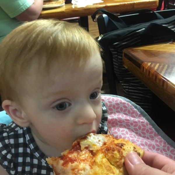 'Eat Love Pizza' beschrijft de culinaire roadtrip van Valentina Gatti en Agnes Goyvaerts die zich niet beperkt tot Italië (maar er uiteraard wel passeert).
