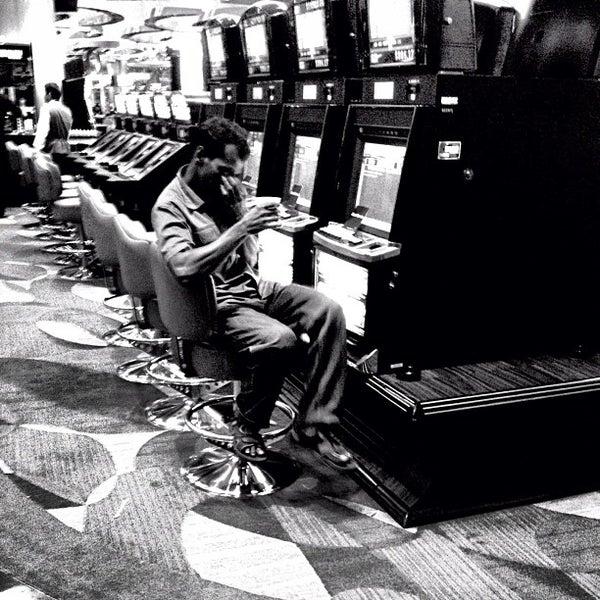 Photo taken at Marina Bay Sands Casino by sakon 3. on 10/8/2012