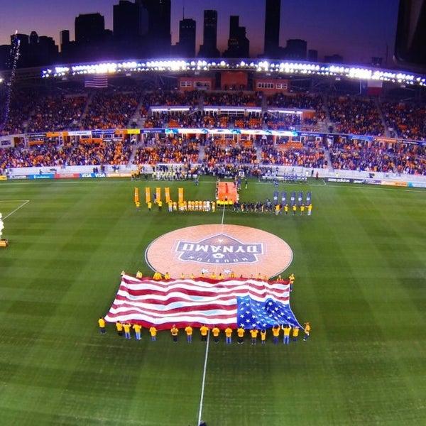 Photo prise au BBVA Compass Stadium par Aaron E. le7/28/2013
