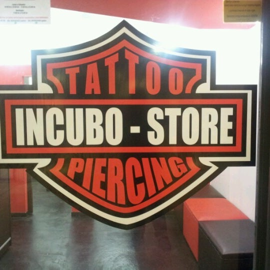 Incubo tattoo piercing sal n de tatuajes for Piercing salon