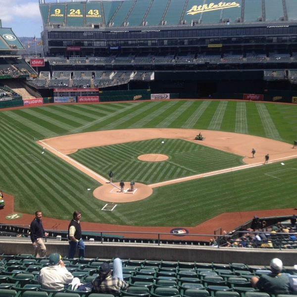 Photo taken at O.co Coliseum by Fabi T. on 5/27/2015