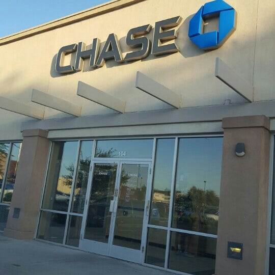 Photo taken at Chase Bank by K H. on 7/17/2016