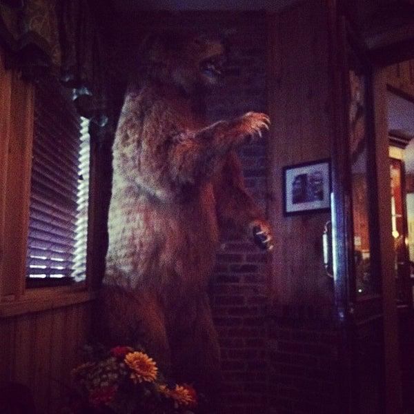 Foto tomada en Taste of Texas por Sam J. el 10/17/2012