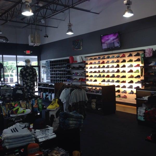 Simons Shoe Store Miami