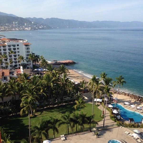 Foto tomada en Sunset Plaza Beach Resort & Spa por Ryan D. el 4/10/2016
