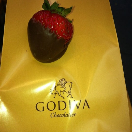 Photo taken at Godiva Chocolatier by monymarial on 10/18/2012
