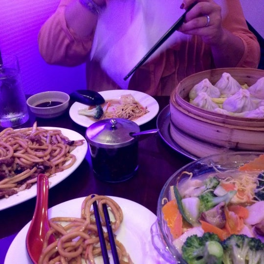 Photo taken at Shanghai Café Deluxe by TahRaySa X. on 9/20/2012