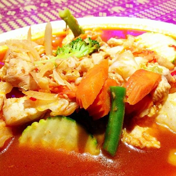Foto tomada en Naung Mai Thai Kitchen por David L. el 5/21/2013