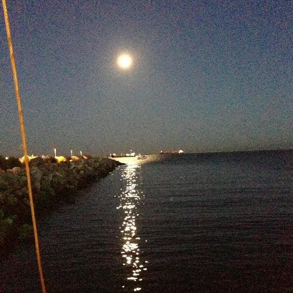 6/22/2013 tarihinde Hazal T.ziyaretçi tarafından Ataköy Marina'de çekilen fotoğraf