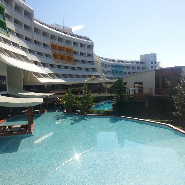 2/17/2013 tarihinde KORAY ERDEMİRziyaretçi tarafından Cornelia Diamond Golf Resort & Spa'de çekilen fotoğraf