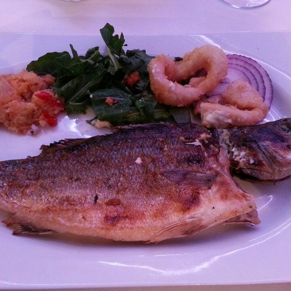 6/18/2013 tarihinde KORAY ERDEMİRziyaretçi tarafından Foça Fish Gourmet'de çekilen fotoğraf