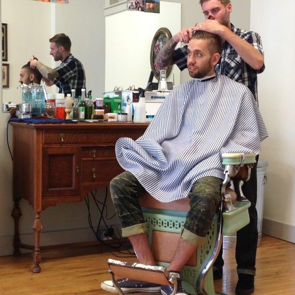7/20/2013 tarihinde rayshawnda a.ziyaretçi tarafından Foremost Barbershop'de çekilen fotoğraf