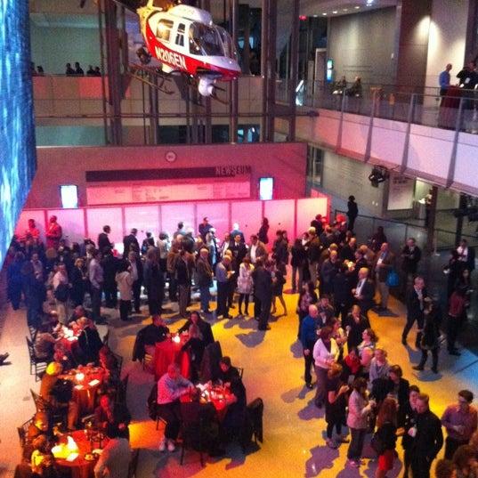 Foto tirada no(a) Newseum por Andy C. em 11/11/2012
