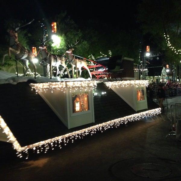 Foto tirada no(a) Yard House por Katrina T. em 11/12/2016