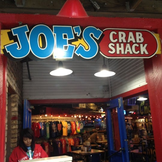 Joe's Crab Shack You'll love everything on Joe's plate, from the playful energy and sand-in-your-toes comfort to the eclectic fish camp decor and afforable menu. You name it- stone blue, blue, king, Dungeness or snow crabs. We serve them up barbecued, garlicky or steamed on our famous platters.