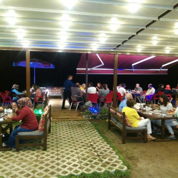8/5/2016 tarihinde Hasan K.ziyaretçi tarafından Taçmahal Et Balık Restorant'de çekilen fotoğraf