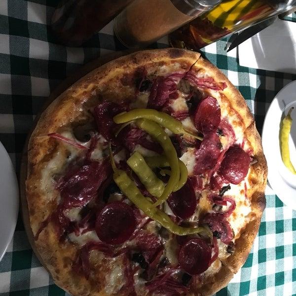 2/3/2018 tarihinde Remzi T.ziyaretçi tarafından All Eatalian ( Pizza - Bakery - Breakfast )'de çekilen fotoğraf