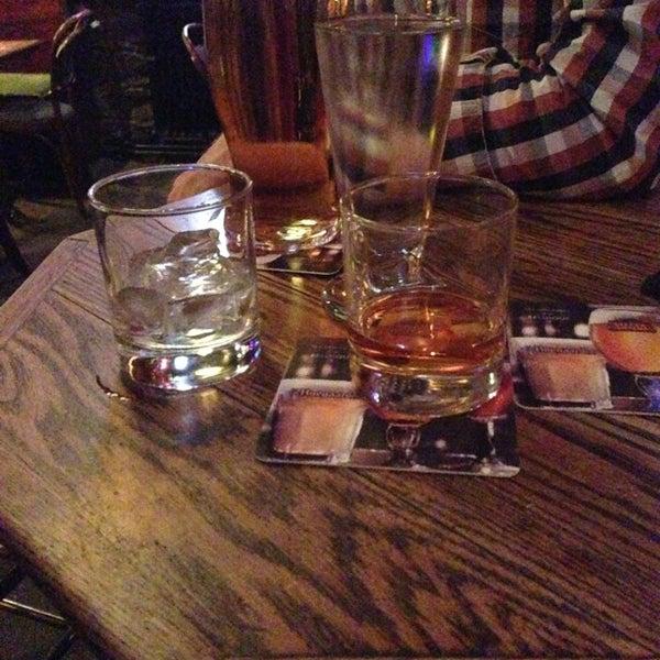 Foto tomada en Hurley's Irish Pub por Gaetan N. el 12/22/2012