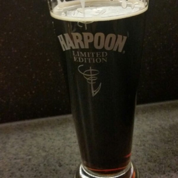 Photo taken at Harpoon Tap Room by Jakob H. on 10/24/2015
