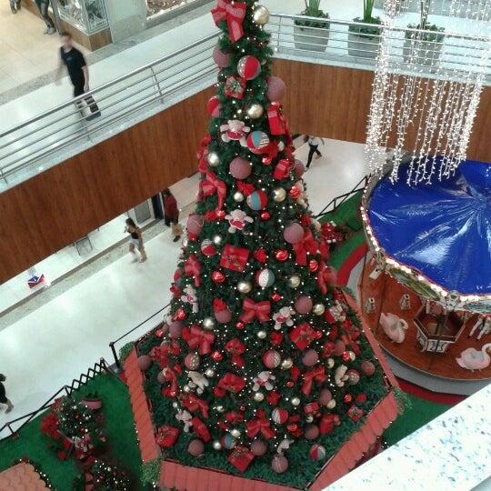 Foto tirada no(a) Partage Shopping São Gonçalo por Marcus T. em 12/1/2012