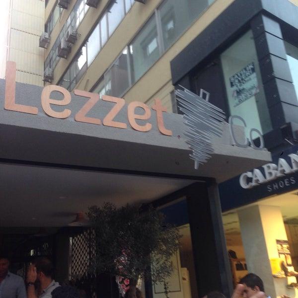 Das Foto wurde bei Lezzet Co. Döner von Umut G. am 7/30/2015 aufgenommen