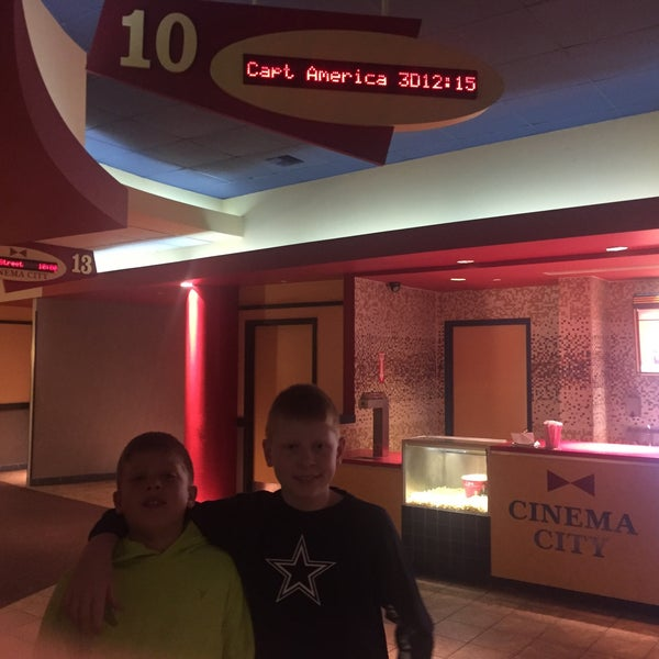 fotos en bow tie cinema city at the palace parkville
