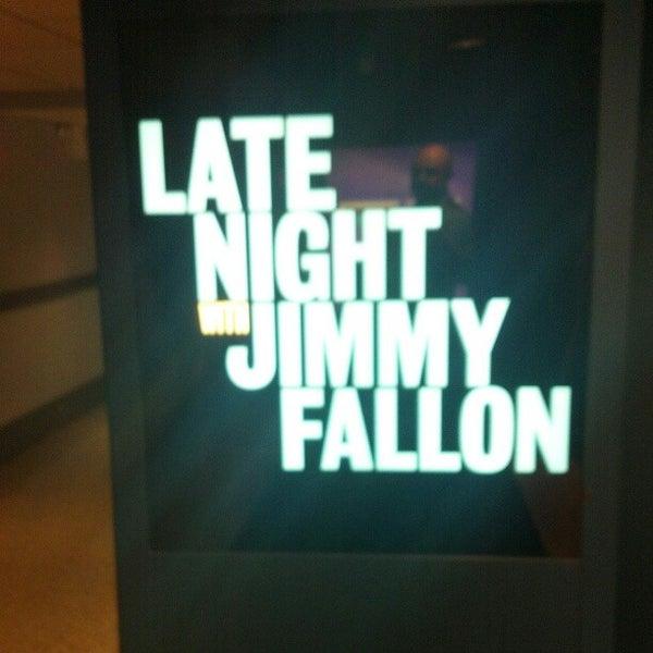 Foto tirada no(a) Late Night with Jimmy Fallon por Vic C. em 2/27/2013