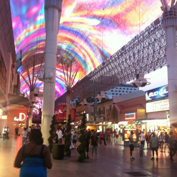 Photo taken at Fremont Street Experience by Taua B. on 6/3/2013