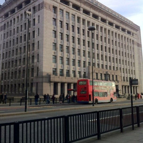 Adelaide house building in city of london for Adelaide house