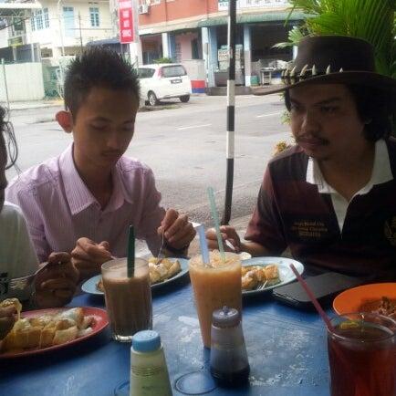 Photo taken at Roti Canai Transfer Rd. by Johan N. on 12/15/2012