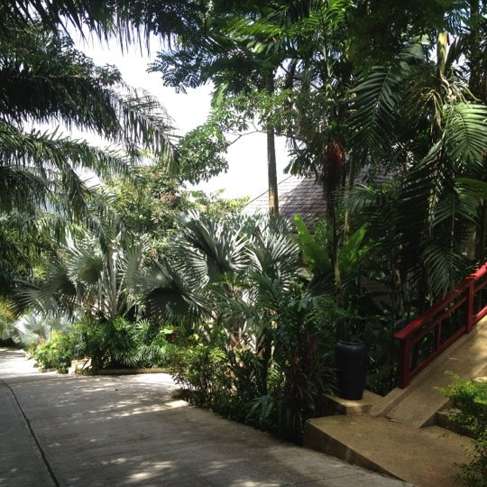 Photo taken at Dusit Thani Laguna Phuket by Aphichai on 7/31/2012