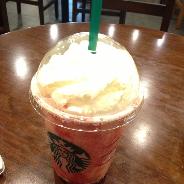 Photo taken at Starbucks by Cho-ah C. on 5/2/2013