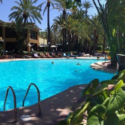 Foto tomada en Hotel Huerto del Cura por Mariana C. el 7/23/2014