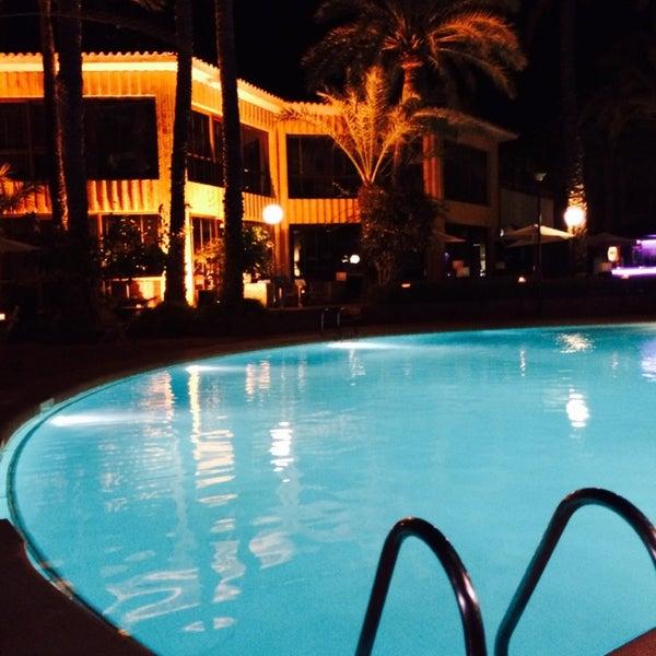 Foto tomada en Hotel Huerto del Cura por Mariana C. el 7/22/2014