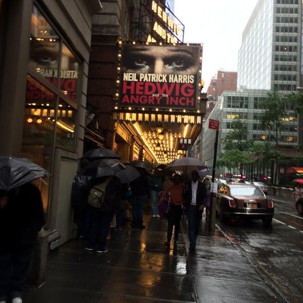 รูปภาพถ่ายที่ Belasco Theatre โดย Terri H. เมื่อ 5/24/2014