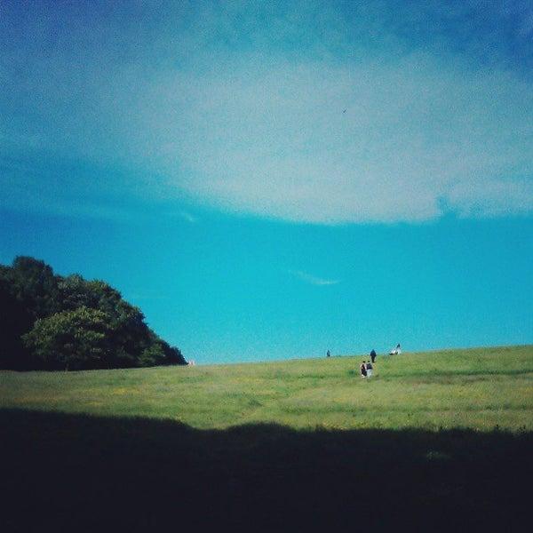 6/15/2013 tarihinde Shaun S.ziyaretçi tarafından Hampstead Heath'de çekilen fotoğraf