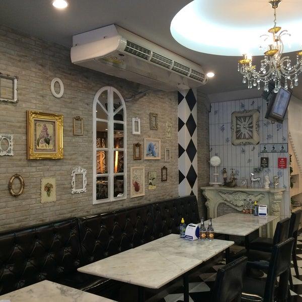 Photo taken at brown sugar cafe by Dsiton I. on 10/16/2016