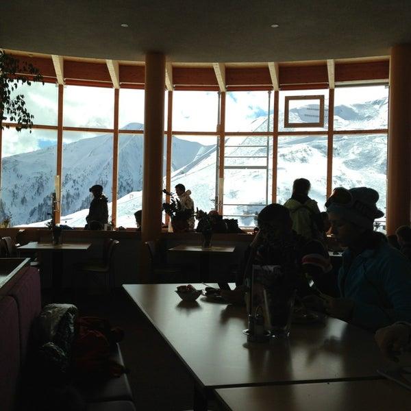 Das Foto wurde bei Panoramarestaurant Komperdell von Nastya B. am 3/19/2013 aufgenommen