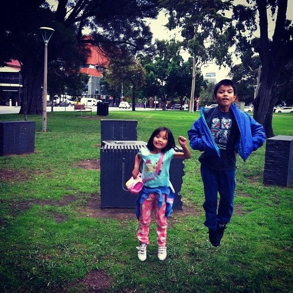 4/29/2013에 Shai님이 Light Square에서 찍은 사진