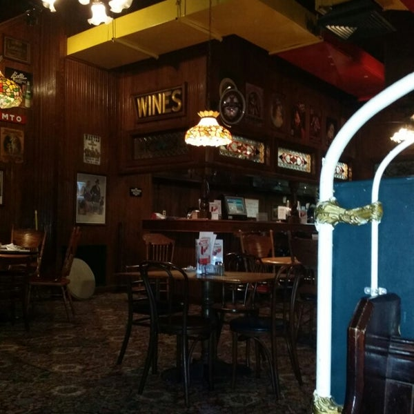 Photo taken at Spaghetti Warehouse by Hector L. on 9/1/2014