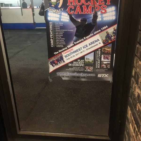 รูปภาพถ่ายที่ Southwest Ice Arena โดย J S. เมื่อ 4/12/2017
